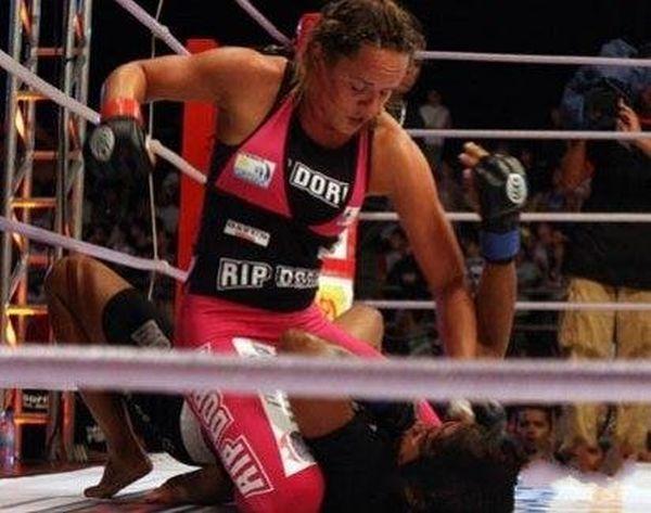 As sexy lutadoras do MMA 08