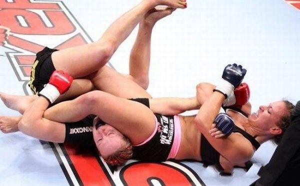 As sexy lutadoras do MMA 36