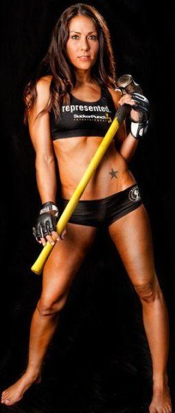 As sexy lutadoras do MMA 45