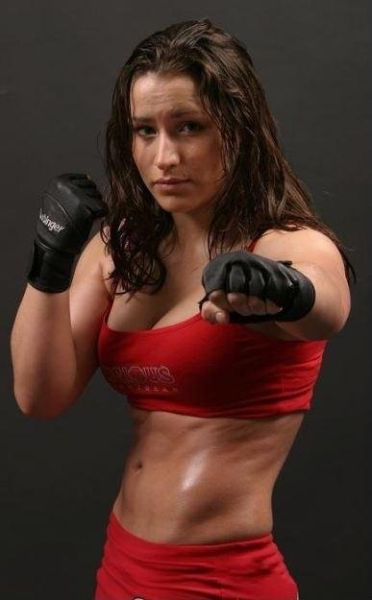 As sexy lutadoras do MMA 49
