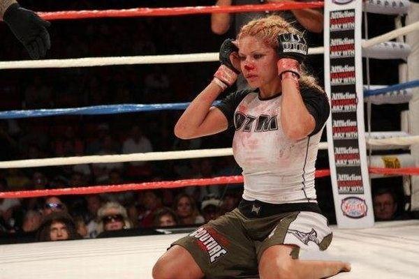 As sexy lutadoras do MMA 53
