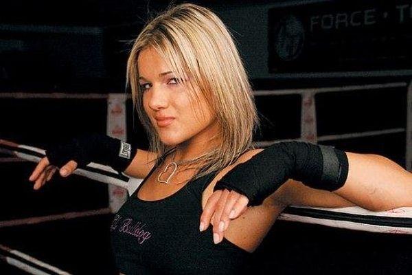 As sexy lutadoras do MMA 55