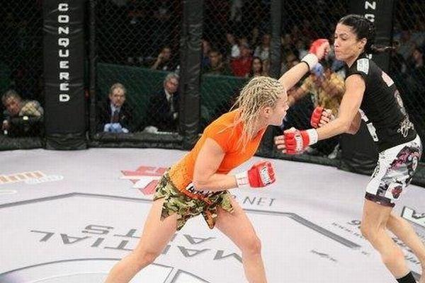 As sexy lutadoras do MMA 61
