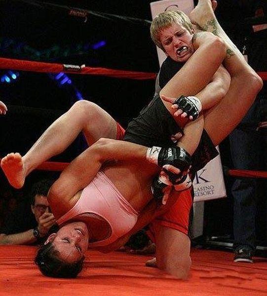 As sexy lutadoras do MMA 66
