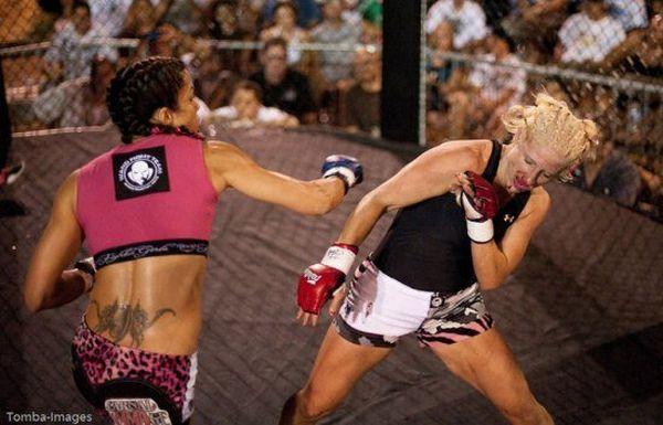 As sexy lutadoras do MMA 69