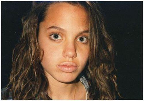 Linha do tempo de Angelina Jolie