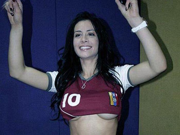 Outra torcedora desperta paixões na Copa América 01