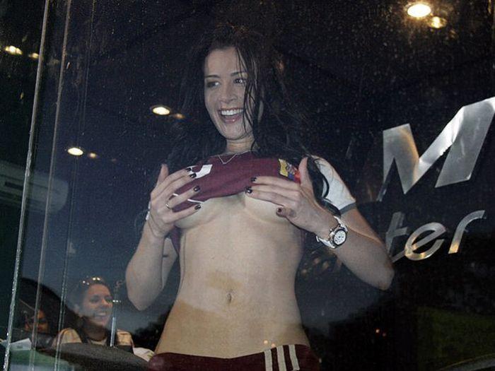 Outra torcedora desperta paixões na Copa América 04