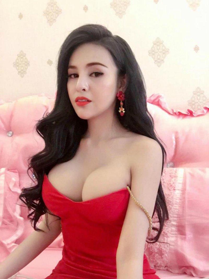 Atriz foi banida do cinema cambojano por ser muito sensual 02