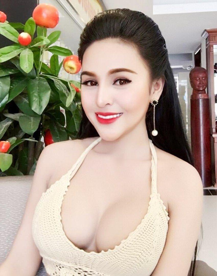 Atriz foi banida do cinema cambojano por ser muito sensual 12