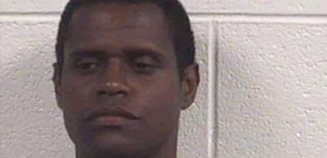 Homem é preso por recusar-se a sair da prisão