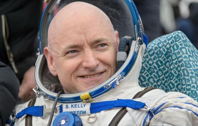 Um destes gêmeos viajou ao espaço e voltou diferente de seu irmão 04