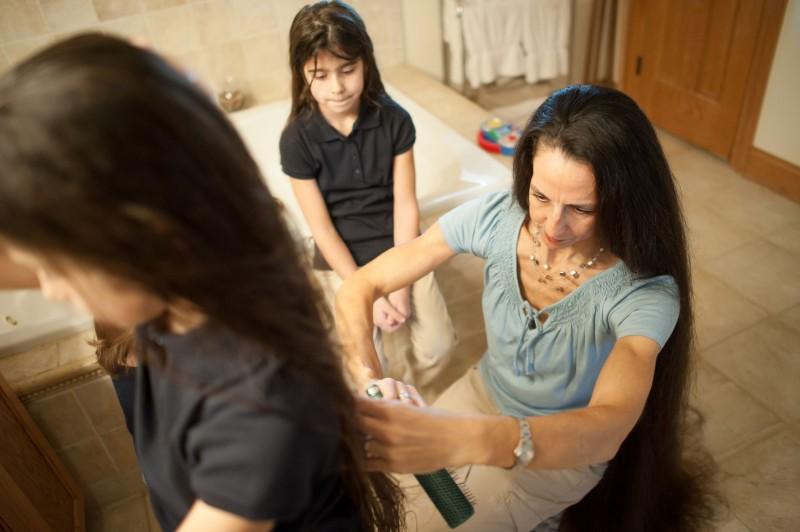 A família Rapunzel, o comprimento combinado de seu cabelo atinge os 4 metros 07