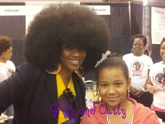 Conheça Aevin Dugas, a orgulhosa dona do maior penteado afro do mundo 06