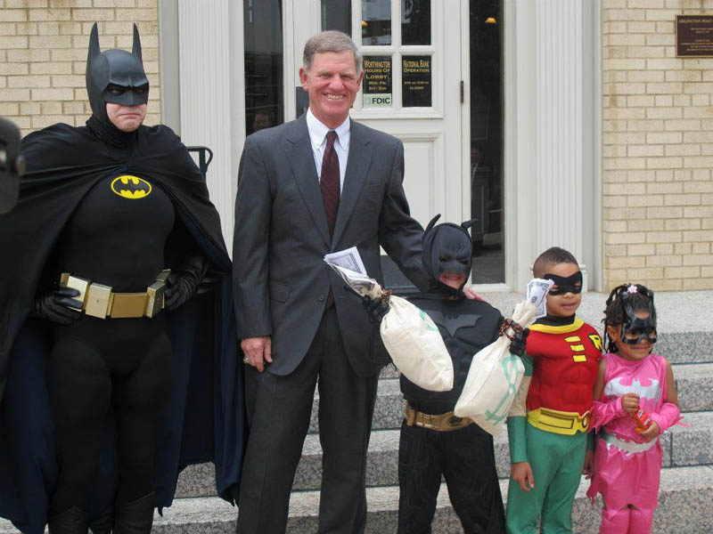 Garotinho com leucemia vive dia de Batman  06
