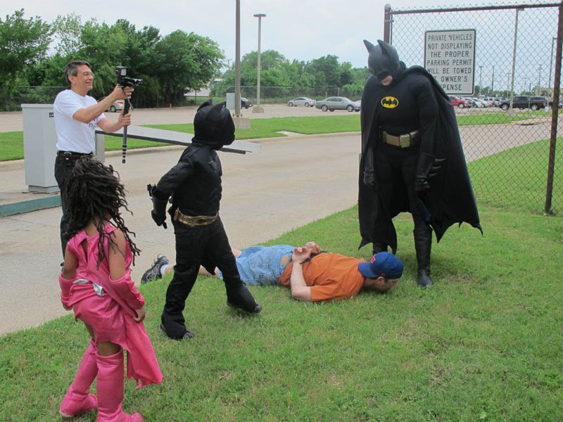 Garotinho com leucemia vive dia de Batman  10