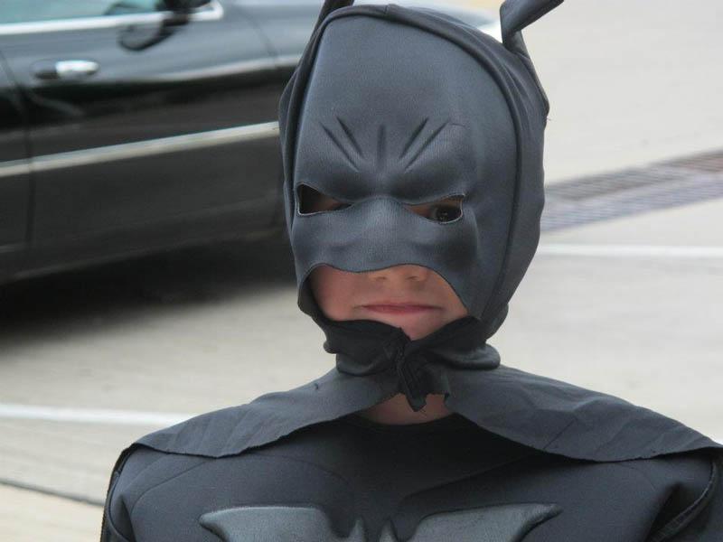 Garotinho com leucemia vive dia de Batman  15