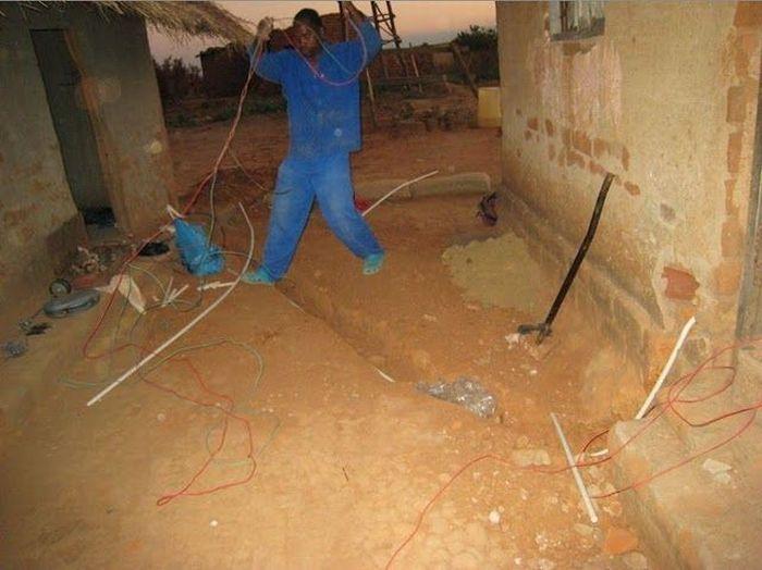 O rapaz que cria correntes de eletricidade e esperança 07