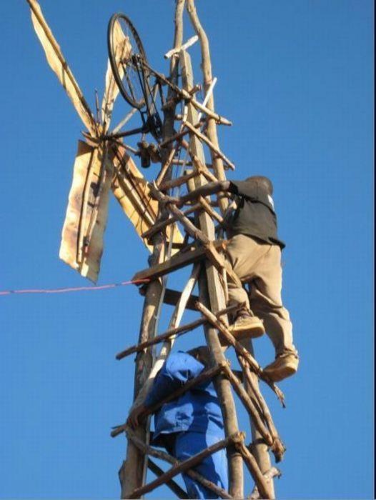O rapaz que cria correntes de eletricidade e esperança 14