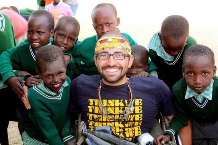 A história em fotos de Spencer West, o homem que venceu o Kilimanjaro com as mãos 16