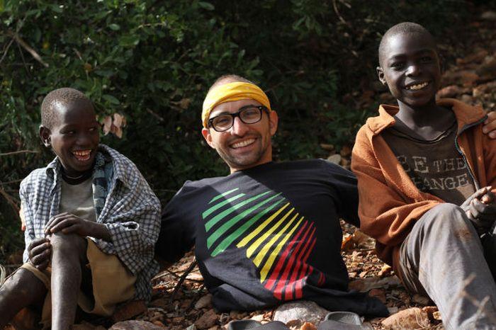 A história em fotos de Spencer West, o homem que venceu o Kilimanjaro com as mãos 18