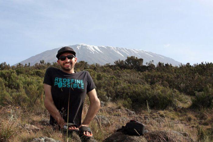 A história em fotos de Spencer West, o homem que venceu o Kilimanjaro com as mãos 30