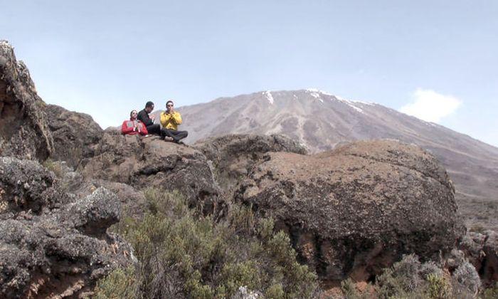 A história em fotos de Spencer West, o homem que venceu o Kilimanjaro com as mãos 33