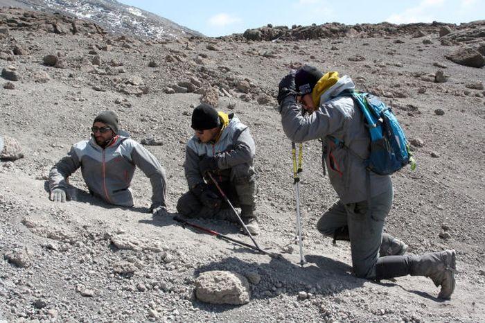 A história em fotos de Spencer West, o homem que venceu o Kilimanjaro com as mãos 39