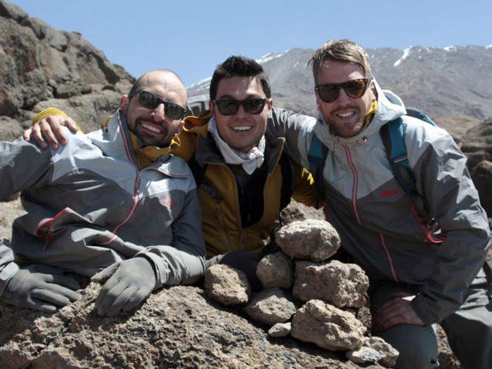 A história em fotos de Spencer West, o homem que venceu o Kilimanjaro com as mãos 40