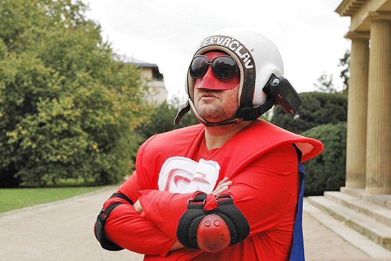 Super-heróis da vida real: Super-Vaclav e Phoenix Jones 05