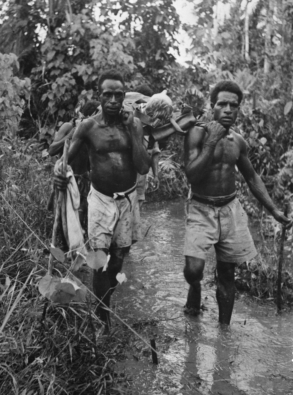 Os povos indígenas de Papua Nova Guiné salvaram centenas de soldados feridos na Segunda Guerra Mundial 03