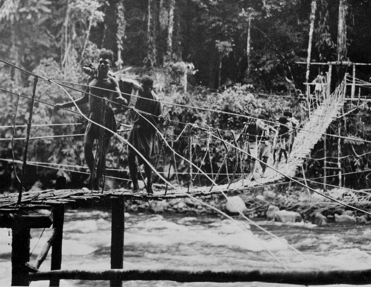Os povos indígenas de Papua Nova Guiné salvaram centenas de soldados feridos na Segunda Guerra Mundial 05