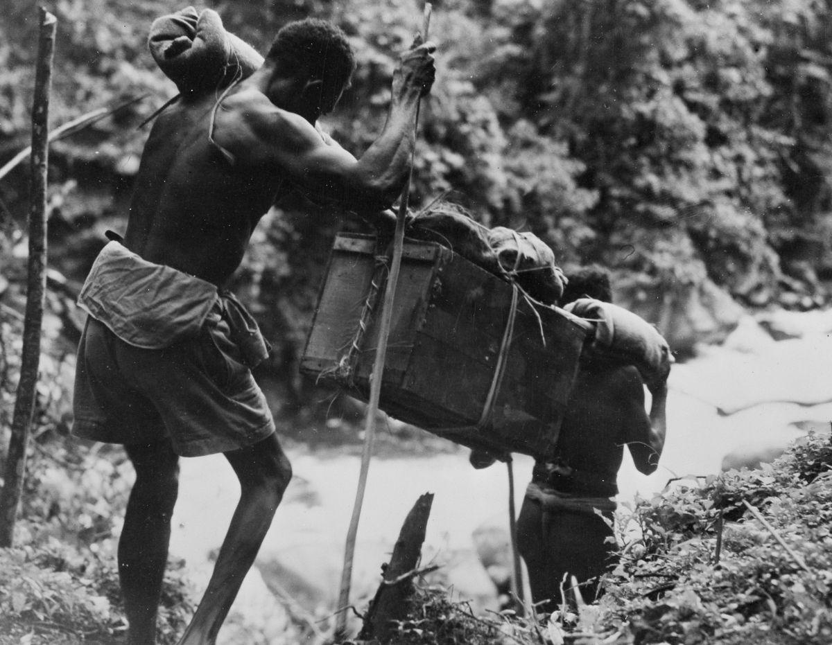 Os povos indígenas de Papua Nova Guiné salvaram centenas de soldados feridos na Segunda Guerra Mundial 09