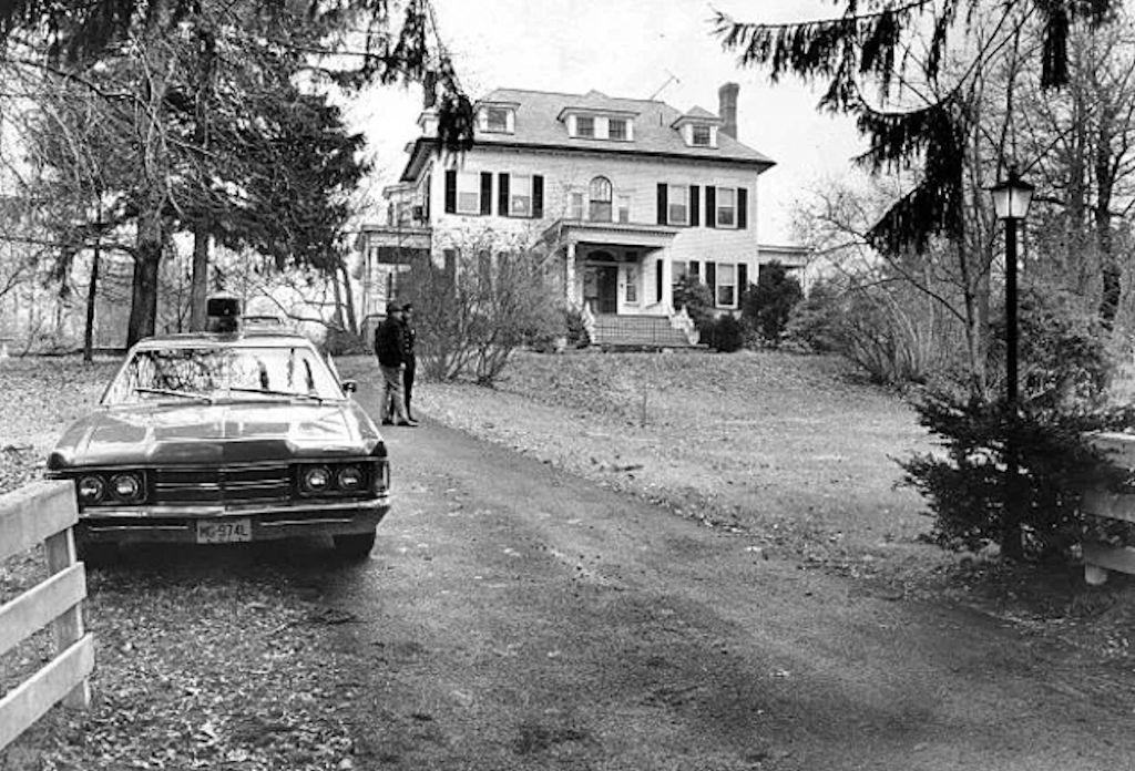 Nesta foto há um assassino e ele foi encontrado 18 anos depois de matar toda a família