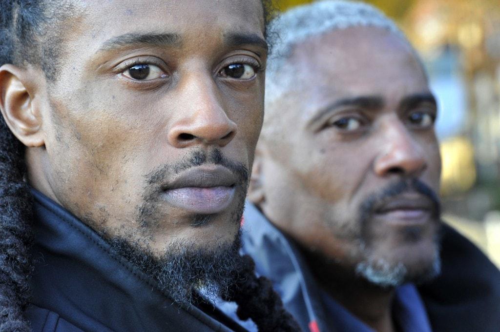 Condenado a prisão perpétua por culpa de um mecha de cabelo. 28 anos depois descobrem que era pelo de cão