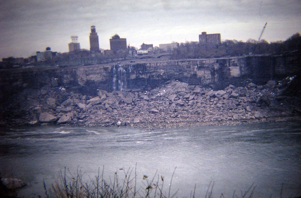 Quando drenaram as Cataratas do Niágara e encontraram surpreendentemente poucos cadáveres 04