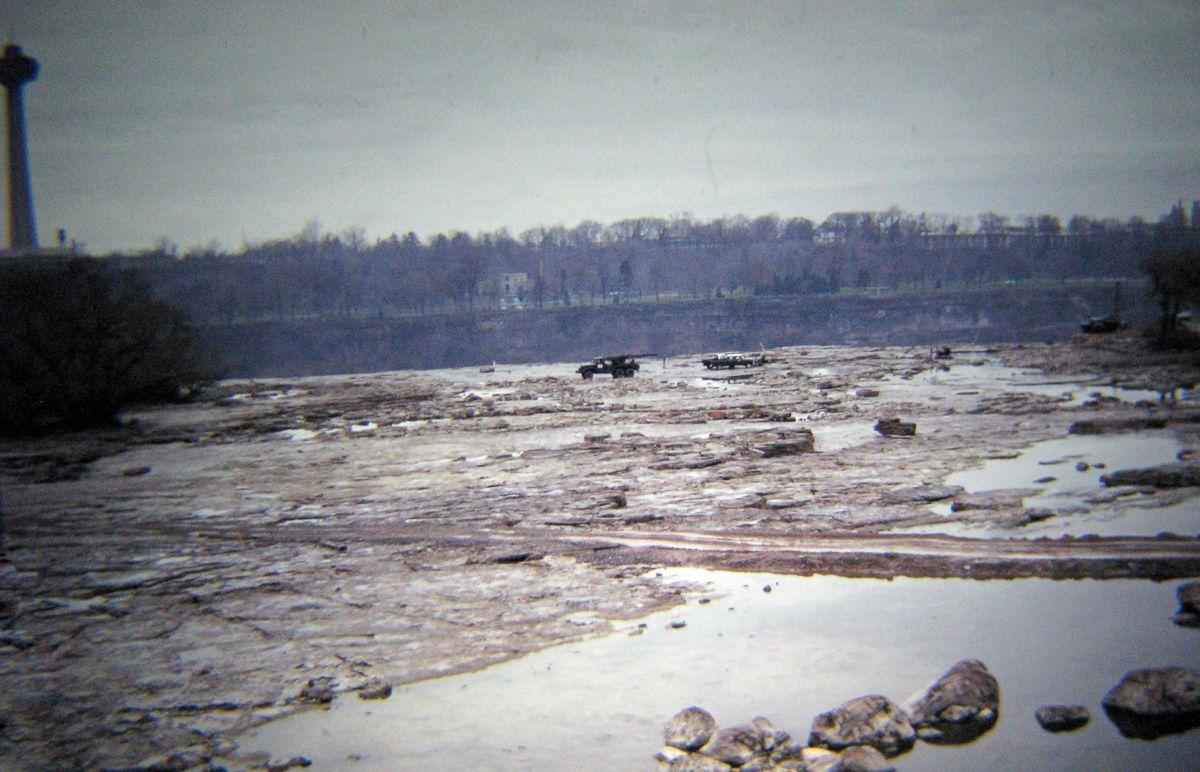 Quando drenaram as Cataratas do Niágara e encontraram surpreendentemente poucos cadáveres 05