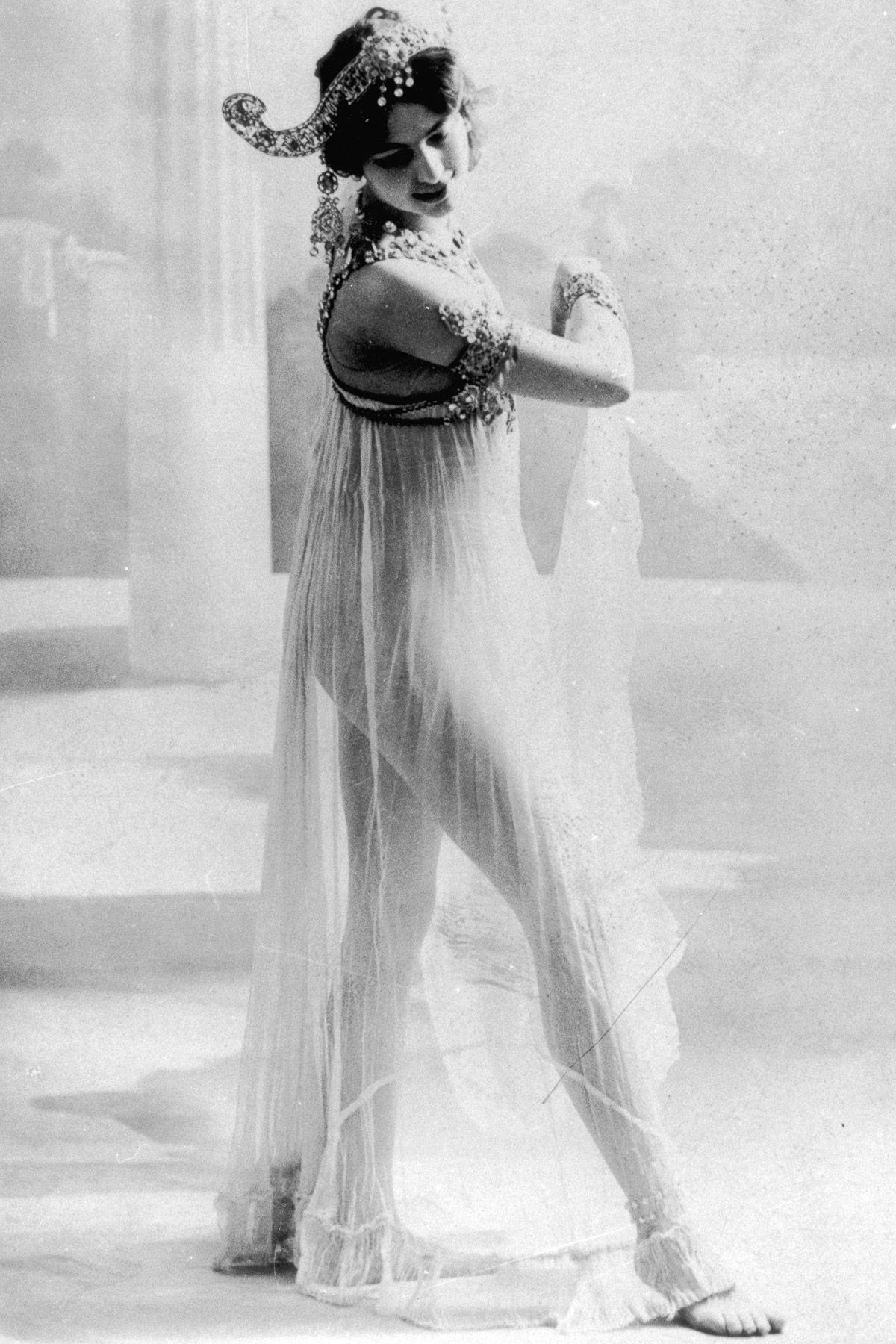 A história dramática de Mata Hari, dançarina exótica e notória espiã da Primeira Guerra Mundial 02