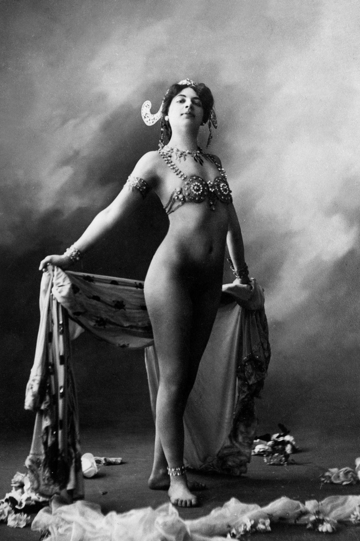A história dramática de Mata Hari, dançarina exótica e notória espiã da Primeira Guerra Mundial 08