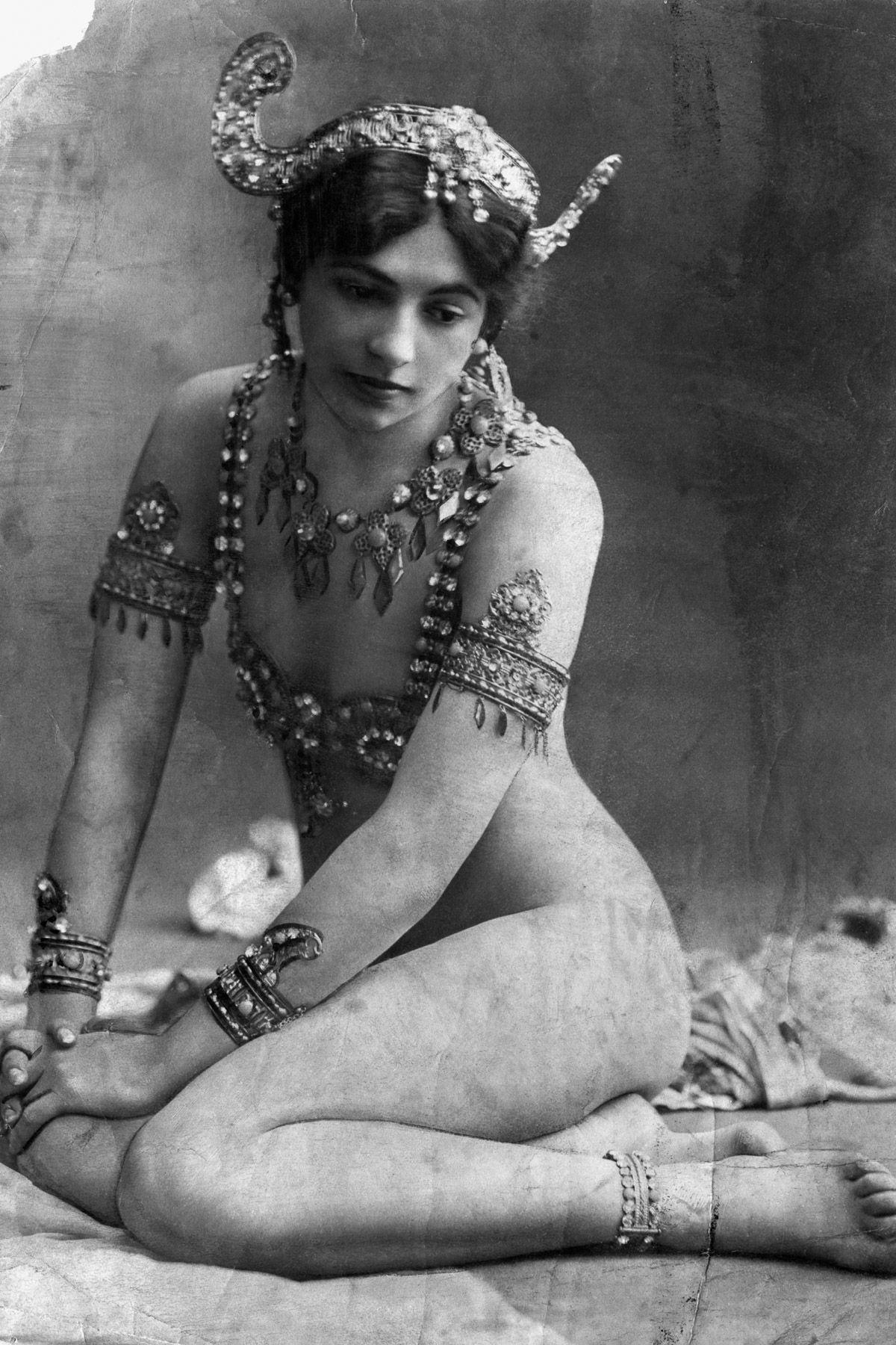 A história dramática de Mata Hari, dançarina exótica e notória espiã da Primeira Guerra Mundial 09