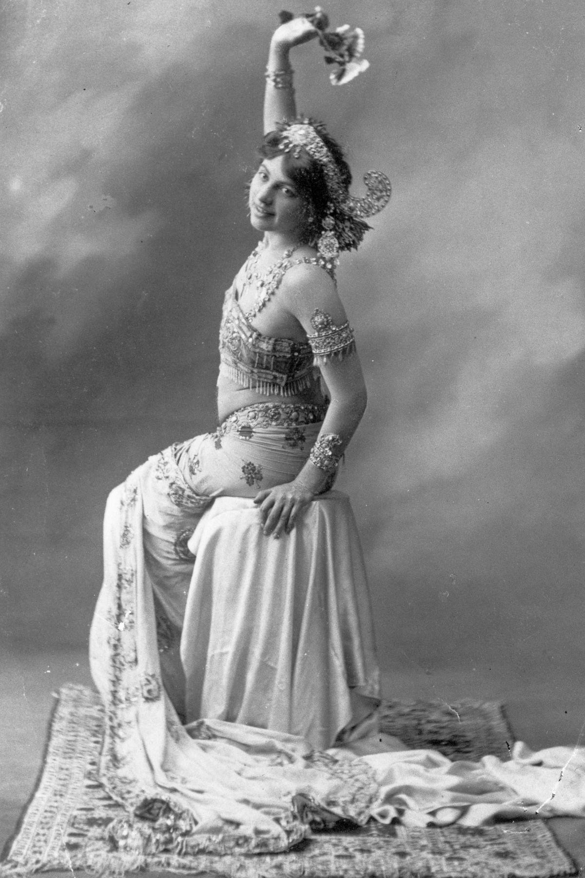 A história dramática de Mata Hari, dançarina exótica e notória espiã da Primeira Guerra Mundial 11