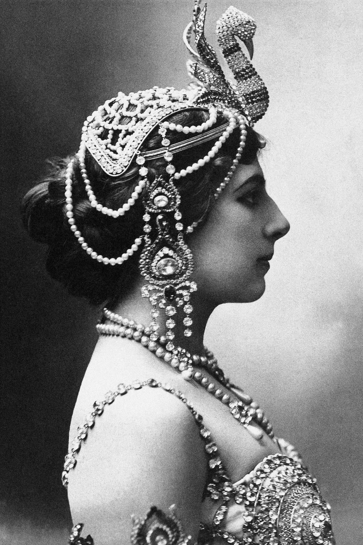 A história dramática de Mata Hari, dançarina exótica e notória espiã da Primeira Guerra Mundial 12