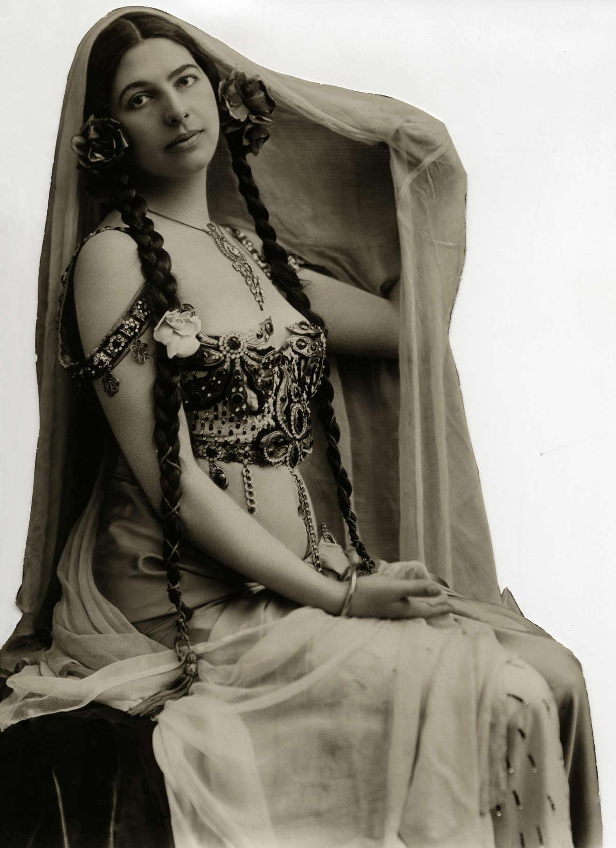 A história dramática de Mata Hari, dançarina exótica e notória espiã da Primeira Guerra Mundial 19