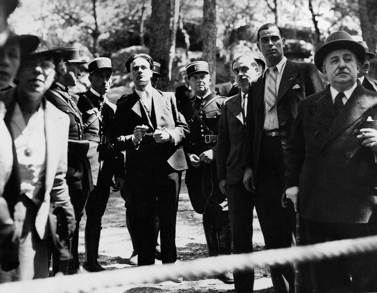 A última execução pública pela guilhotina na França 03