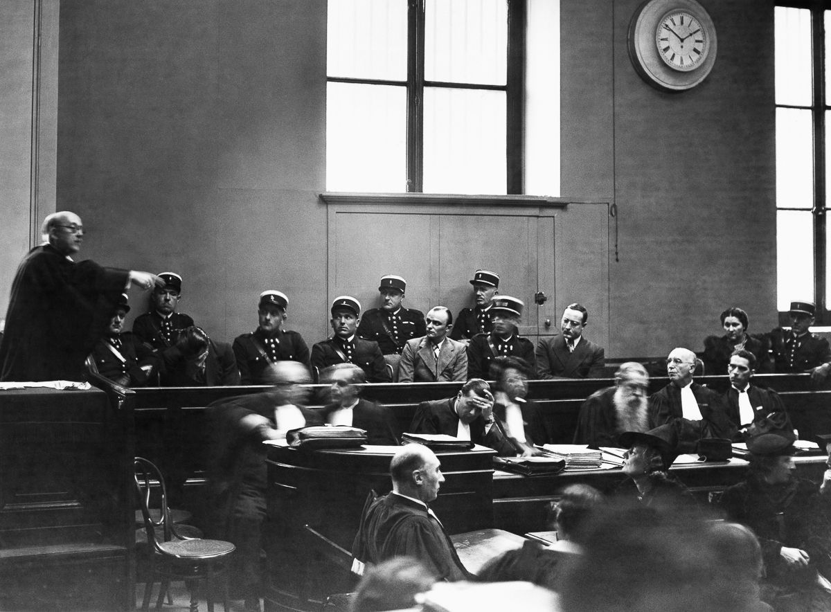 A última execução pública pela guilhotina na França 04