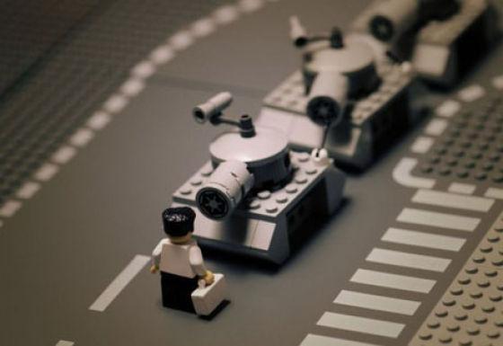 Fotografias que contam história transladadas ao Lego 01