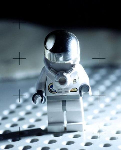 Fotografias que contam história transladadas ao Lego 07