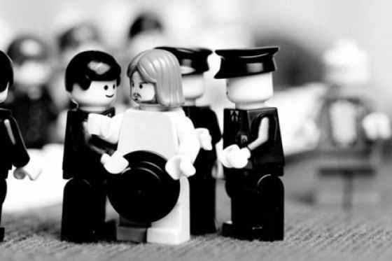 Fotografias que contam história transladadas ao Lego 09