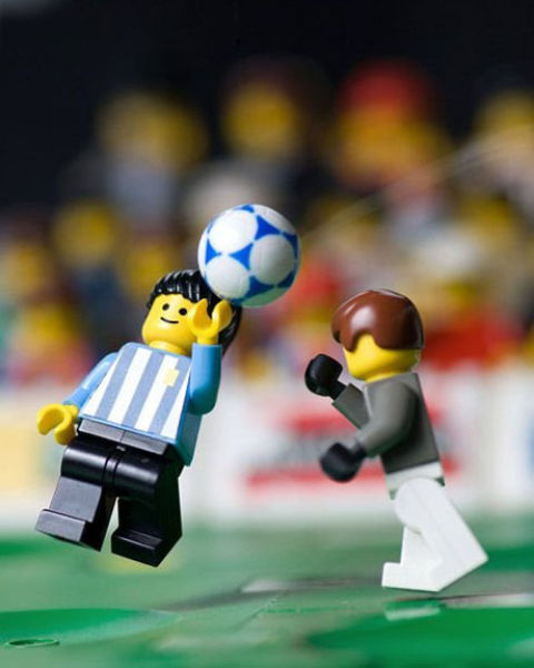 Fotografias que contam história transladadas ao Lego 13