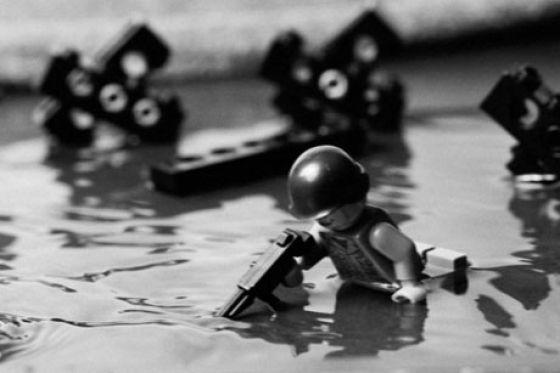 Fotografias que contam história transladadas ao Lego 15